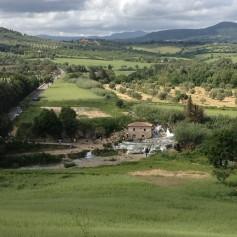 Вид на термальные источники в Сатурнии (Saturnia, Toscana)
