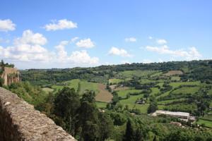 Город Тоди с прекрасным видом на поля Умбрии (Todi, Umbria)